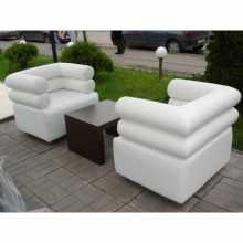 Dali - Canapé de bar et fauteuil Contract personnalisés en éco-cuir, tissu et velours pour locaux